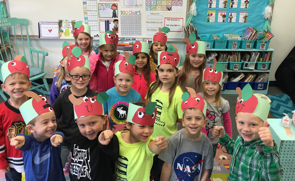 Apple hats to go with our kindergarten apple unit! 🍎🍏😁