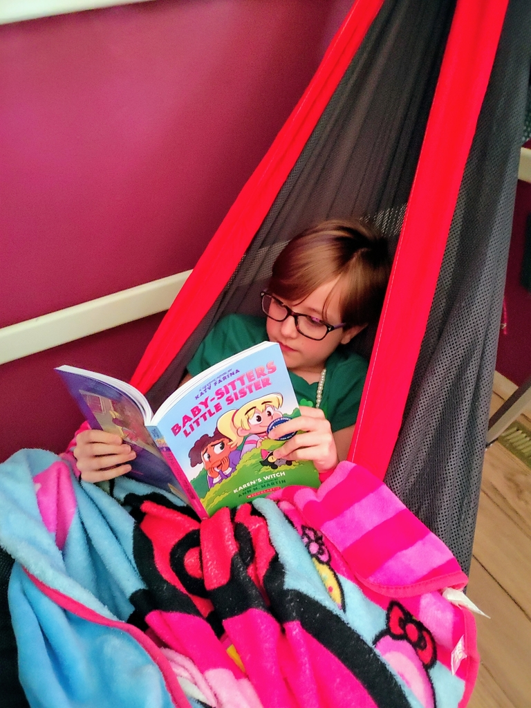 Leia, a hammock and a good book!!
